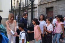 El presidente del Parlamento y la Mesa dan la bienvenida a las niñas y niños saharauis